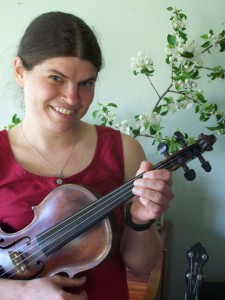Julia Plumb fiddle
